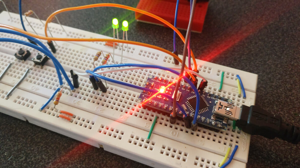 First tests of the circuit on a breadboard.